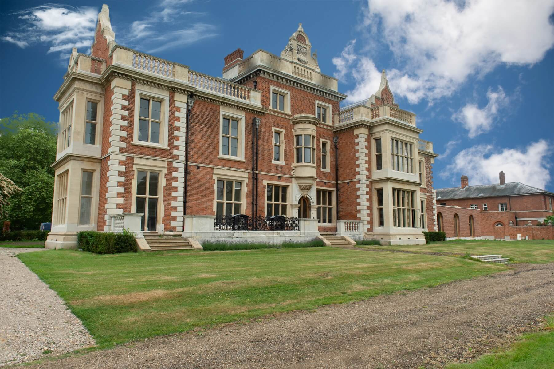 Barrington Hall001